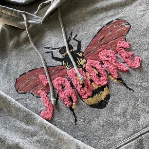 Fedt hoodie fra Sofie S. Brugt men pænt stand og ingen fejl.