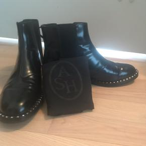ASH Wino studded chelsea leather boots I have used them only once and selling them because they are small for me.  *Original Price is 2495kr * Dustbag is included