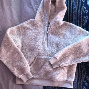 Fin sweater. Lille i str.  Mp 350 pp