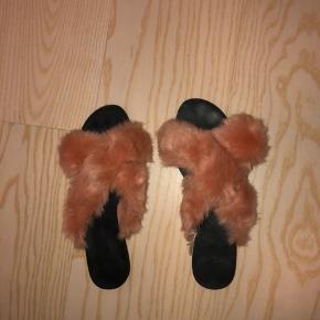 Sælger disse super fine sandaler fra MANGO købt i deres butik i Barcelona. Næsten som nye