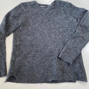 Strikket sweater fra Vila i mørk grå