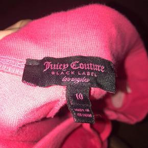 Købt i Juicy Couture i London. Fine bløde bukser! Byd