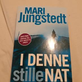 Spændende krimi af Mari Jungstedt  I pæn stand Befinder sig pt i Aalborg centrum kan mødes og handle  15kr