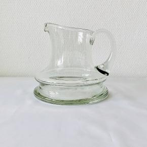 Holmegaard skibsglas kande 1 liter Designet af Per Lutken i 1970. Højde: 18,5 cm Diameter: 20 cm