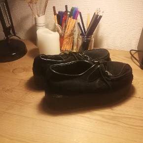 Sort fede sko fra Demonin.