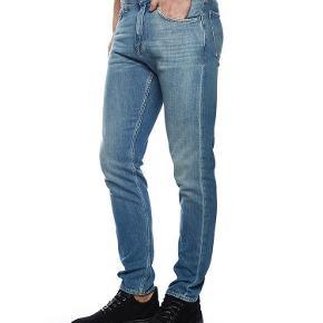 """Varetype: Pistolero jeans Størrelse: 31""""/32"""" Farve: Denim Oprindelig købspris: 1200 kr.  Lækre jeans i 100% bomuld.  Model Pistolero."""