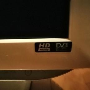 Tv med indbygget dvd Er brugt et par gange fungerer 100 % Spørg for mere info 😊
