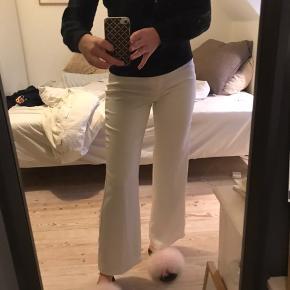 Hvide bukser fra neo noir💛så fine og enkle