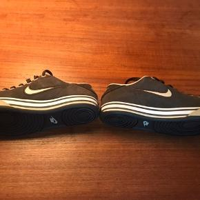 Sneakers with few chafing marks