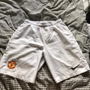 Manchester United shorts - Prisen er inkl. fragt 🌿