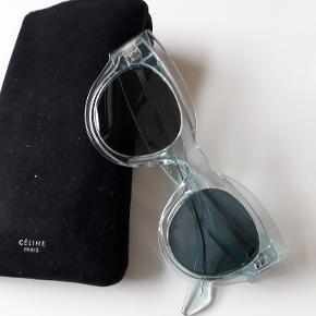 Celine CL40008I 86V transparent lyseblå med blågrå glas, 1 år gl. aug 2018 ny pris ca 2600,-