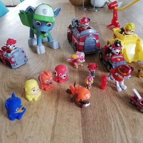 Paw patrol legetøj. Det er brugt godt, og der mangler måske nogle enkelte dele. Men ellers i fin stand.