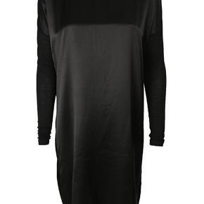 Badu kjole. Den er str. xxs men passer en xs. Brugt meget få gange