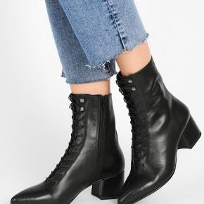 Vagabond lace up boots. Brugt 2 gange. Str 40.
