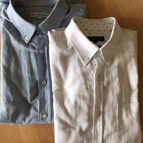 To smarte skjorter i slim fit str M fra Daniel De Prato (Sams). Sælges samlet for kr 70