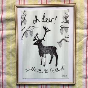 OH DEER - HAVE NO FEAR ♥️  Sødeste lille billede i antik gylden/råhvid ramme med mat glas. Str. 18x24 cm.