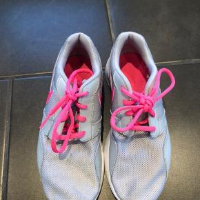 Nike Roshe sko Sålen måler 24 cm Byd
