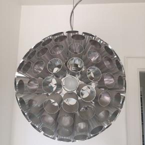 Loftslampe fra leitmotiv  i stål måler ca120 i diameter