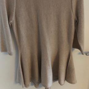 100% cashmere knit fra dear Dharma / aldrig brugt - mindstepris 200kr