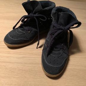 Super fine sko. De er i rigtig god stand. Kan hentes i Aarhus eller sendes med DAO