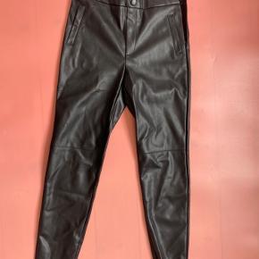 Studio bukser