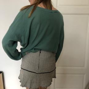 Oversized soft light jumper