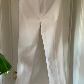 Beige pants from Zara Np 449 Made of 64% polyester  31% viscose  5% elastane