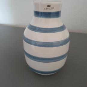 Kähler vaser sælges samlet for 140 kr.
