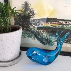 Super fed hval figur i Turkisblåt glas 🐳 Har ingen afslag.  Mål: 13x15 cm