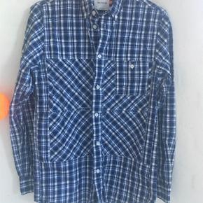 Varetype: Langærmet Farve: Blå Oprindelig købspris: 1199 kr.  Bryst 2*47 Længde 69 100% cotton