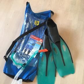 Snorkeludstyr - briller, snorkel, svømmefødder str 42/43. Brugt få gange i sommerferien. Farven er grøn. Afhentes