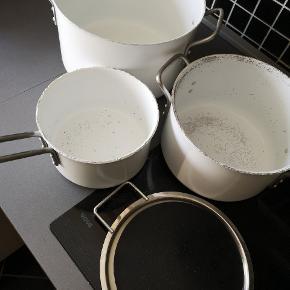 Fejler intet, de ser sådan ud da de åbenbart ikke tåler opvaskemaskine (selvom det var lovet). Skal bare væk, kom med bud.