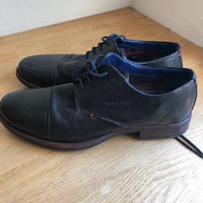 Bugatti sko