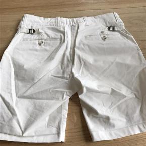 Varetype: Shorts Farve: Råhvid Oprindelig købspris: 1100 kr.  Flotte shorts fra Tiger Of Sweden