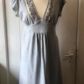 Skøn kjole i et lækkert snit