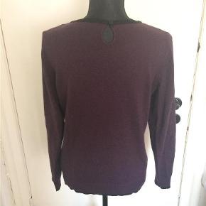 Brand: Debenhams Varetype: sweater KUN 50 KR. PP Farve: Lilla  Tilbyder at sende med DAO, på denne vare! :)  >ER ÅBEN FOR BUD<  ¤Se også mine andre annoncer¤  BYTTER IKKE!