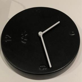 Ur sælges for 175kr