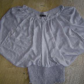 Varetype: Smart bluse fra SisterS Point str. L Farve: Grå  Smart bluse fra SisterS Point str. L. Som ny!  Byd!