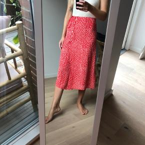 Perfect summer skirt ❤️ Rouje Gloria red printed floral midi skirt with buttons and side tie. Worn once, in great condition. True to size.