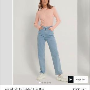 Sælger jeans fra Melissa Bentsen kollektionen. De er desværre for små. Bytter også gerne med en str. 40 💛💫