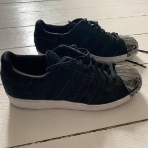 Fede sneakers fra Adidas - brugt få gange!