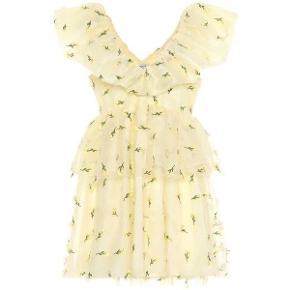Søger denne kjole i str 36 eller 38