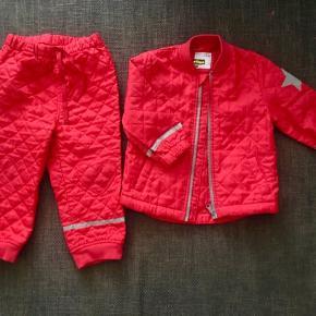 86 / 92 Termotøj bukser jakke rød Med hjerter på knæene