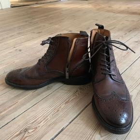 82c690039263 Fede herresko i ægte læder. Er aldrig brugt