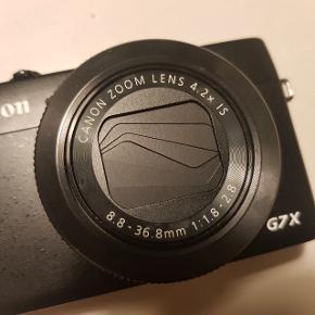 CANON snapshot G7x kamera sælges. Er i rigtig pæn stand og brugt meget sparsomt.  Perfekt vlogging kamera med flipscreen, ligeledes perfekt størrelse at have med rundt på ferie o.l.  Kan afhentes i Aarhus C eller afsendes med DAO.