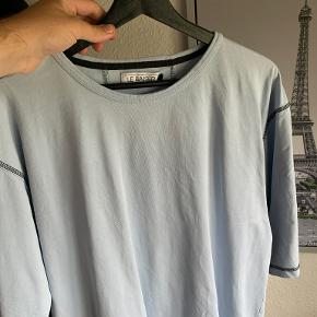 Le Baiser t-shirt