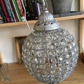 Lysekrone lampe  45h og 74 i omkreds - fast pris -køb 4 annoncer og den billigste er gratis - kan afhentes på Mimersgade 111. Kbh  - sender gerne hvis du betaler Porto - mødes ikke ude i byen - bytter ikke