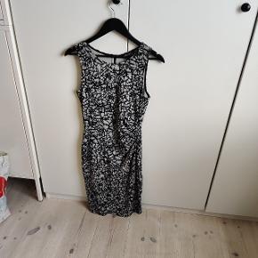 Atelier Cologne kjole