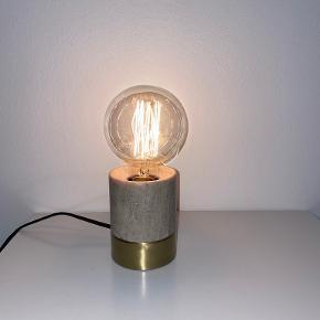 Bloomingville Bordlampe