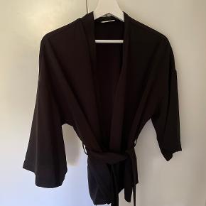 Areaware kimono